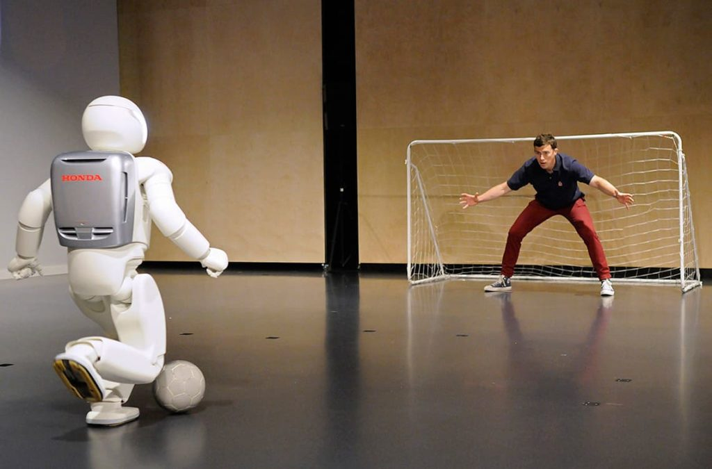 Робот ASIMO