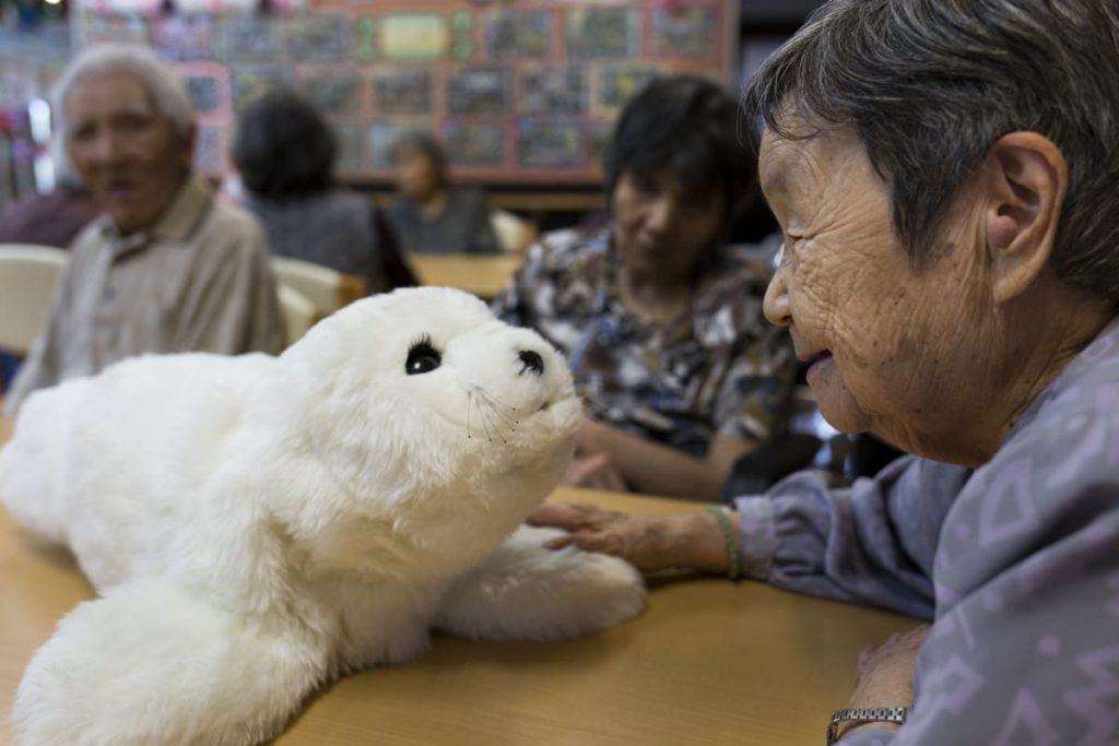 Робот PARO baby seal