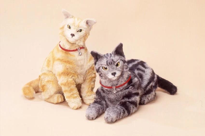 Роботы-кошки NeCoRo